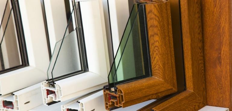 Mobili da balcone for Infissi in pvc prezzi mq